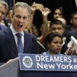 New York Attorney General Eric Schneiderman Resigns over Women Abuse Claims